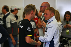Kevin Magnussen, Renault Sport F1 Team y Valtteri Bottas, Williams