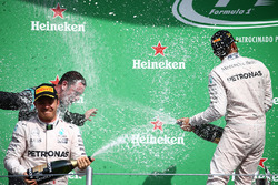Podium: race winner Lewis Hamilton, Mercedes AMG F1, second place Nico Rosberg, Mercedes AMG F1