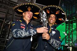 Подіум: третє місце - Даніель Ріккардо, Макс Ферстаппен, Red Bull Racing