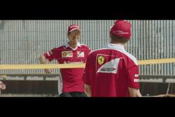 Voleibol de playa, Sebastian Vettel y Kimi Raikkonen