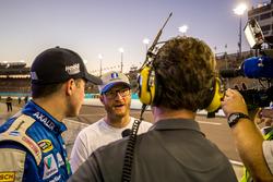 Le poleman Alex Bowman, Hendrick Motorsports Chevrolet avec Dale Earnhardt Jr., Hendrick Motorsports