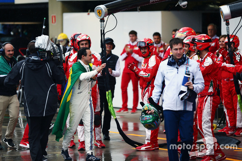 Felipe Massa, Williams aplaudido por Ferrari