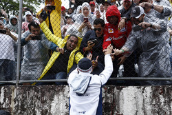 Felipe Massa, Williams, meets his home fans
