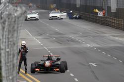 Crash, Anthoine Hubert, Van Amersfoort Racing, Dallara Mercedes