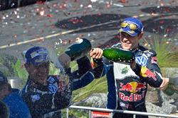 Podio: Jari-Matti Latvala, Volkswagen Motorsport, segundo lugar Julien Ingrassia, Volkswagen Motorsport