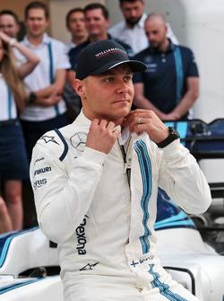 Valtteri Bottas, Williams op een teamfoto