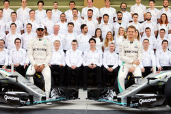 Lewis Hamilton, Mercedes AMG F1 and team mate Nico Rosberg, Mercedes AMG F1 W07 Hybrid at a team photograph