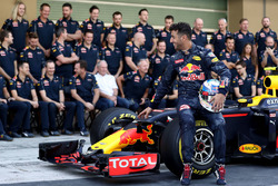 Daniel Ricciardo, Red Bull Racing at a team photograph