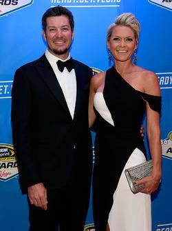 Martin Truex Jr., Furniture Row Racing Toyota con su novia Sherry Pollex