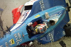 Crash: Alexander Wurz, Benetton