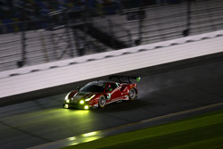 #63 Scuderia Corsa Ferrari 488 GT3: Крістіна Нільсен, Алессандро Бальдзан, Маттел Крессоні, Сем Бьорд