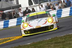 #59 Manthey Racing, Porsche 911 GT3 R: Sven Muller, Reinhold Renger, Harald Proczyk, Steve Smith