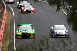 №90 MARC Cars Australia, BMW M6 GT3: Час Мостер, Макс Твигг, Морган Хабер; №40 Brookspeed, Porsche Cayman GT4 Clubsport: Аарон Мейсон, Дэвид Дринкуотер, Эдриан Уотт