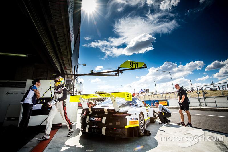 8. #911 Walkinshaw GT3, Porsche 911 GT3 R: Earl Bamber, Kevin Estre, Laurens Vanthoor