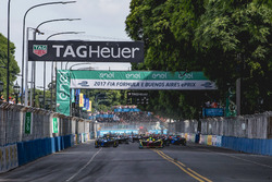 Lucas di Grassi, ABT Schaeffler Audi Sport leads the field at the start of the race