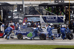 Trevor Bayne, Roush Fenway Racing Ford pit stop