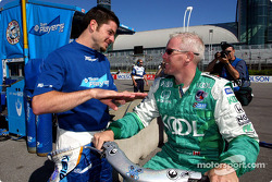 Patrick Carpentier discussing with Paul Tracy