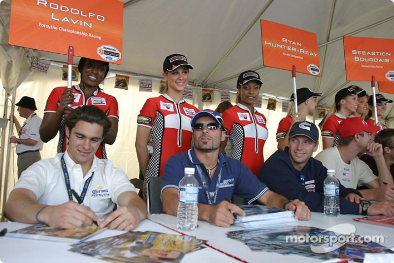 Séance d'autographes : Rodolfo Lavin, Alex Tagliani et Mario Haberfeld