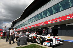 Pitlane atmosphere, Sauber F1 Team