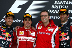 Podium: race winner Fernando Alonso, Scuderia Ferrari, second place Sebastian Vettel, Red Bull Racing, third place Mark Webber, Red Bull Racing