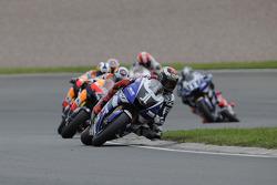 Jorge Lorenzo, Yamaha Factory Racing lidera el grupo