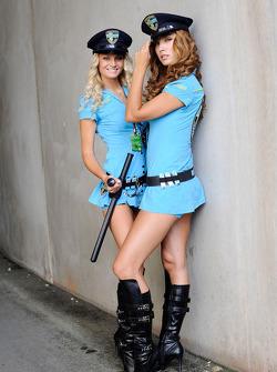 The lovely Rizla Suzuki girls