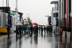 Paddock atmosphere, rain
