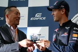 Voorstelling nieuwe Casio Edifice Sebastian Vettel horloge, Red Bull Racing