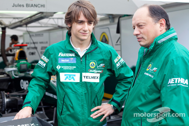 Esteban Gutierrez talks with Frederic Vasseur, Lotus ART team principlal