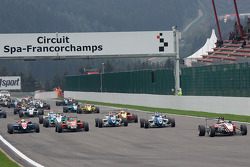 Roberto Merhi starts from pole position