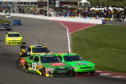 Mike Bliss, Smith Chevorlet and Danica Patrick, JR Motorsport Chevrolet battle