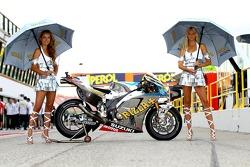 Rizla Suzuki MotoGP bike