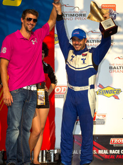 Podium: second place Oriol Servia, Newman/Haas Racing with Michael Phelps