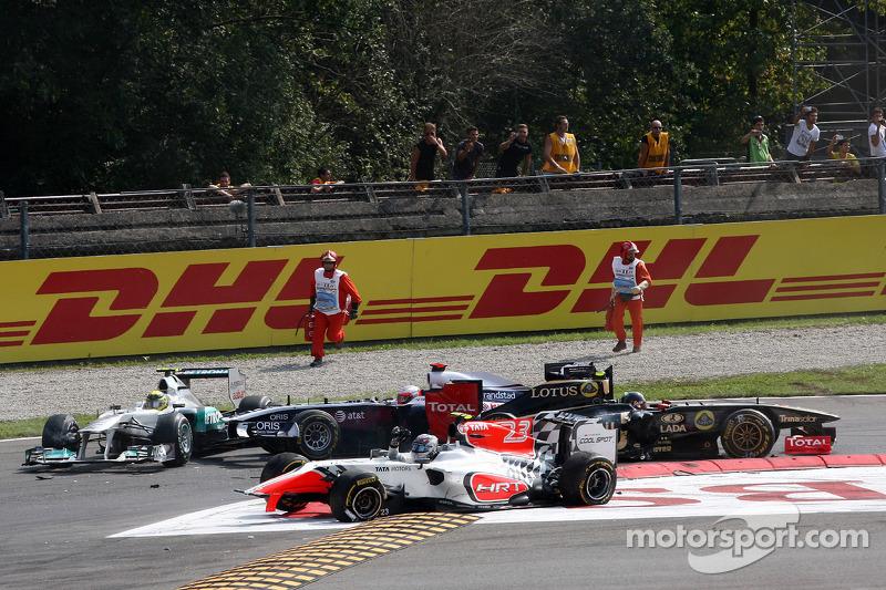 A crash caused by Vitantonio Liuzzi, HRT F1 Team