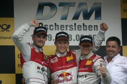 Второе место - Мартин Томчик, Audi Sport Team Phoenix Audi A4 DTM, первое место - Маттиас Экстрем, A
