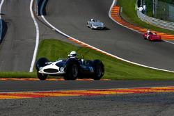 Pace lap, #18 Maserati T61 Birdcage: Irvine Laidlaw, Julian Bronson