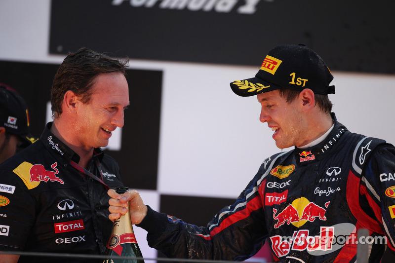 Podium: Christian Horner, Red Bull Racing, Sporting Director, and race winner Sebastian Vettel