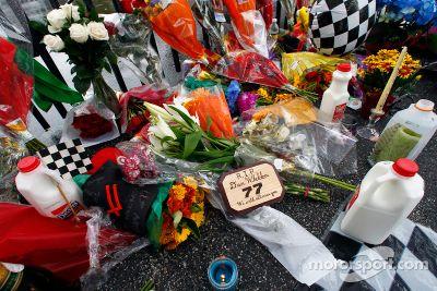 Fans remember Dan Wheldon