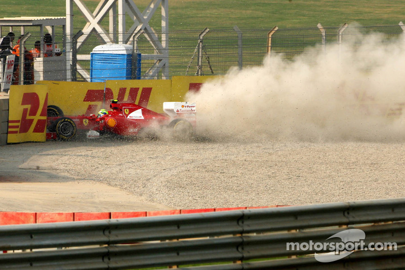 Felipe Massa, Scuderia Ferrari crashes out