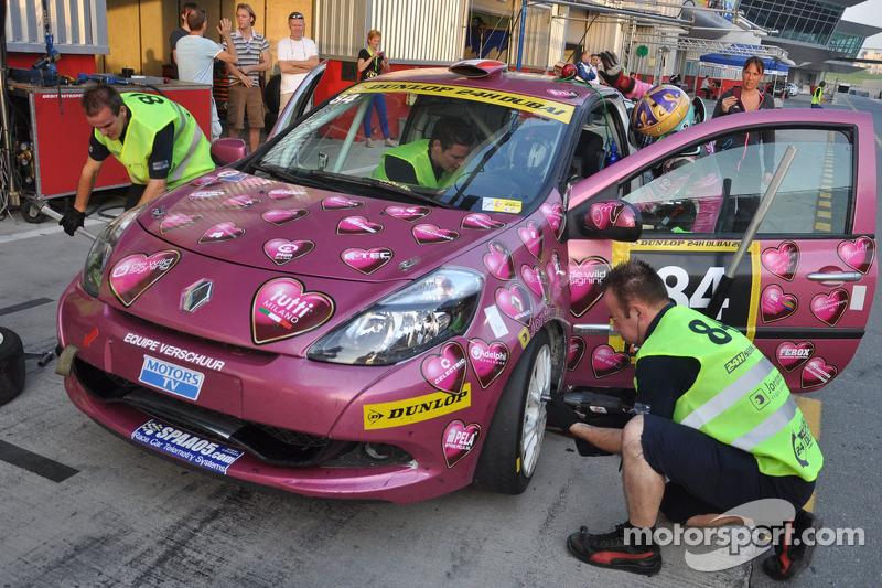 #84 RacingDivas.nl Renault Clio RS Cup: Liesette Braams, Sheila Verschuur, Paulien Zwart, Sandra van der Sloot, Gaby Uljee