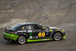 #69 Pirate Motorsports Mazda RX-8: M Allen Milarcik, Mike Slutz goes off the track