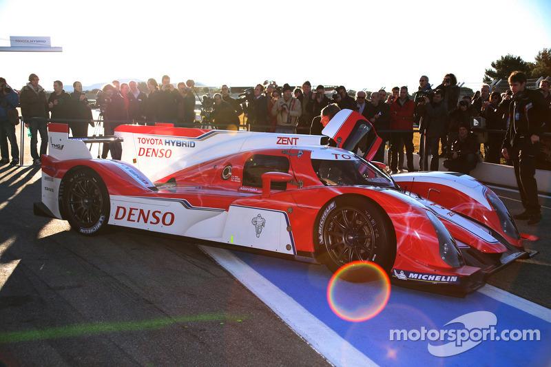 La Toyota TS030 Hybrid  El día que Toyota reanudó el asalto a Le Mans wec toyota hybrid lmp1 unveiling 2012 the toyota hybrid ts030