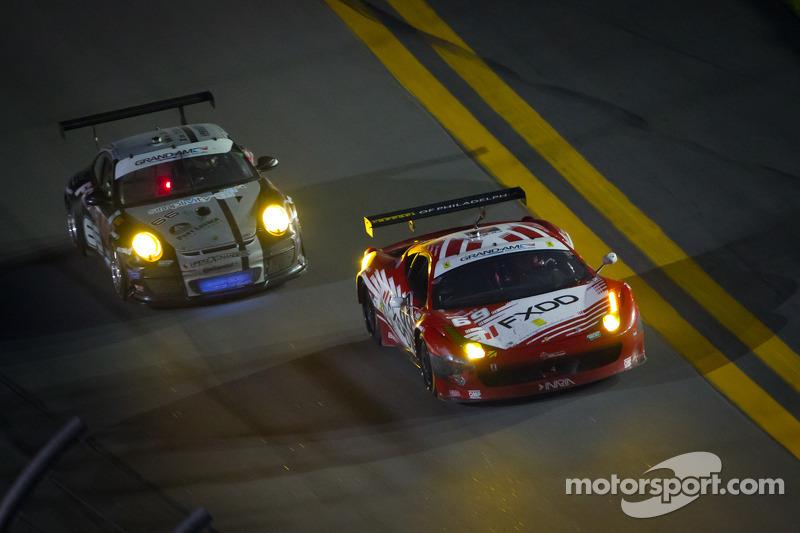 #69 AIM Autosport Team FXDD Racing with Ferrari Ferrari 458: Emil Assentato, Anthony Lazzaro, Nick L