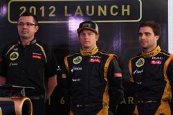 Eric Boullier, Team Principal, Lotus Renault F1 Team met Kimi Raikkonen, Lotus Renault F1 Team en Jérôme d'Ambrosio,  Lotus Renault F1 Team