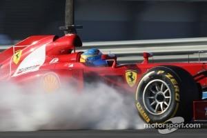 Alosno locks up his front Pirellis