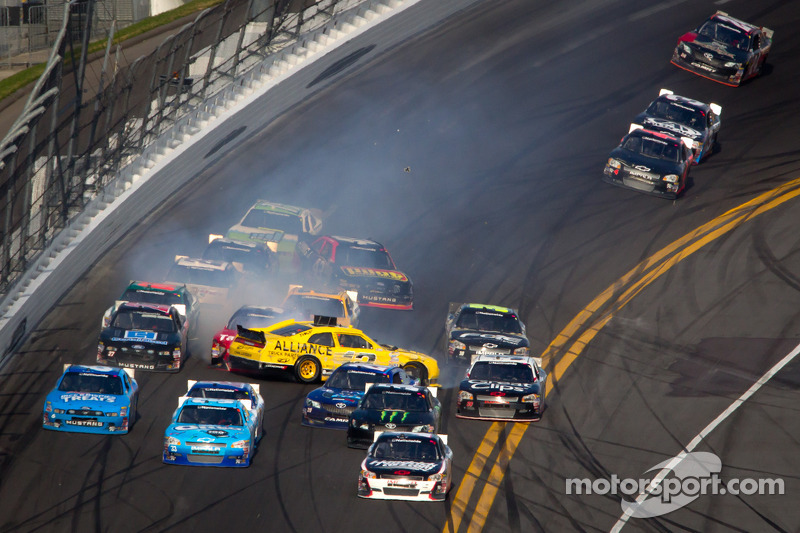 Sam Hornish Jr., Penske Racing Dodge crash