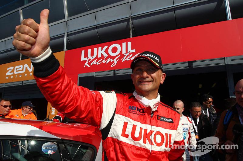 Gabriele Tarquini, SEAT Leon WTCC, Lukoil Racing Team polepositie