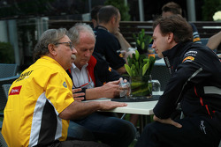 Jean-Francois Caubet, Managing director of Renault with Christian Horner, Red Bull Racing, Sporting Director
