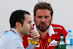 Менеджер Николя Тодт и Джино Росато, Ferrari