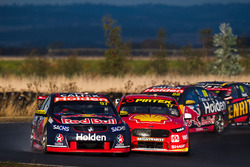 Shane van Gisbergen, Triple Eight Race Engineering, Holden; Scott McLaughlin, Team Penske, Ford